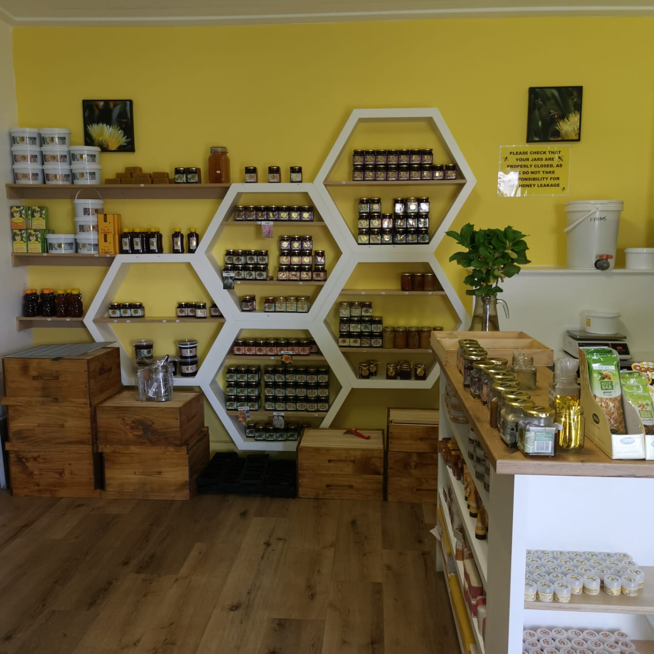 Overberg Honey Co. shop in Elgin Grabouw