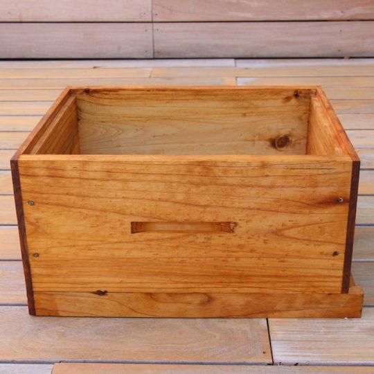 Brood box beekeeping equipment